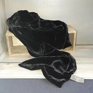 ECHO Velvet Black Scarf